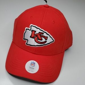 NEW KANSAS CITY CHIEFS EMBROIDERED NFL HAT CAP NWT